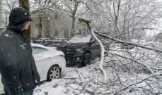 """العاصفة الثلجية """"إيبوني"""" تضرب الولايات المتحدة وتوقع 7 قتلى"""