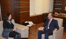 بوعاصي بحث وكاميرون في التعاون بين السفارة الكندية ووزارة الشؤون