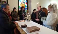 عروسان فرنسيان يمضيان شهر العسل في خدمة المسنين في القبيات