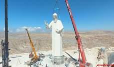 وصول تمثال مار شربل إلى مستديرة المنارة في زحلة
