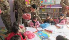 """الجيش: توزيع معاطف شتوية يإطار برنامج """"CIMIC"""" بمحافظتي البقاع وبعلبك الهرمل"""