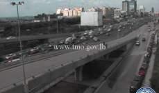 حركة المرور كثيفة من النقاش باتجاه نهر الموت وصولا الى الكرنتينا