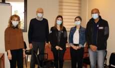 فريق طبي بريطاني زار مستشفى صيدا الحكومي للمساعدة بالحد من انتشار وباء كورونا