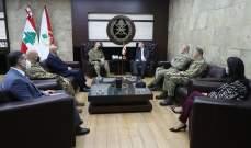 قائد الجيش استقبل القائم بأعمال سفارة بريطانيا بمناسبة انتهاء مهامه