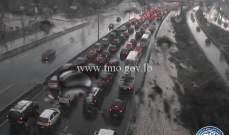 حركة المرور كثيفة من الضبية بإتجاه أنطلياس وصولاً الى نهر الموت