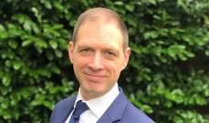 سفير بريطانيا: المواجهات العنيفة لا تصب بمصلحة لبنان وأدعوا الجميع لضبط النفس