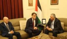 سفير فلسطين بحث مع مفوض الاونروا اوضاع المخيمات في لبنان