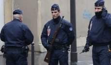 الحدث: الشرطة الفرنسية تسيطر على رجل هدد أفرادها بسلاح أبيض في باريس