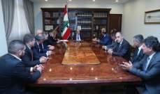 الرئيس عون التقى وفد نقابة مالكي الشاحنات العمومية بمرفأ بيروت