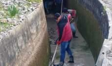 أعمال تنظيف من قبل مصلحة نهر الليطاني لأنفاق مشروع ري القاسمية وأقنيته