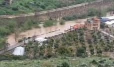 النشرة: السيول قطعت طريق القاسمية الزرارية المحاذية للنهر