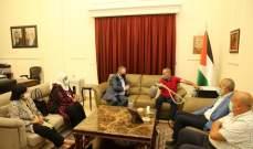 السفير دبور يستقبل المخترع الفلسطيني خليل العبد الله