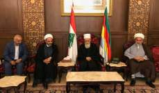 الشيخ حسن التقى في دار الطائفة وفدا يمثل السيد فضل الله والقاضي الحلبي