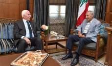 الأحمد التقى بري: موقف فلسطيني موحد برفض صفقة القرن ومحاولة تصفية القضية الفلسطينية