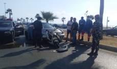 النشرة: جريح نتيجة تصادم بين سيارة ودراجة كهربائية على الكورنيش البحري لصيدا