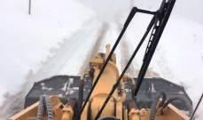 الدفاع المدني: العمل على إزالة الثلوج على طريق عام فقرا- عيون السيمان وصولا إلى فاريا