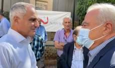 أبو ناضر يطلق مبادرة لترميم المنازل المتضررة في عين الرمانة: السلم الأهلي ليس للتلاعب