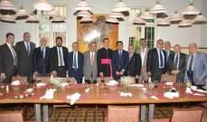 غداء حوار على شرف مسؤول الشؤون الخارجية في سفارة الفاتيكان