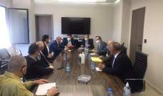 وزني بحث مع غجر ووفد من كهرباء لبنان موضوع المستحقات المالية بين المؤسسة والوزارة