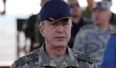 وزير الدفاع التركي يتفقد الوحدات العسكرية عند الحدود مع سوريا
