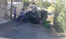 النشرة: حادث سير على طريق الدوير وانقلاب السيارة