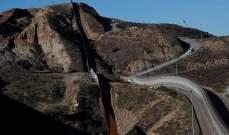 مستشار البيت الأبيض: سننجز بناء مئات الأميال من الجدار مع المكسيك قبل 2020