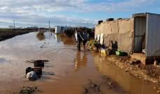 دخول مياه الأمطار والسيول إلى 4 مخيمات للنازحين في سهل عكار