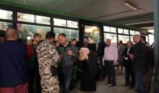 النشرة: 51 نازحاً سورياً  توجهوا من ملعب صيدا البلدي عائدين الى بلدهم