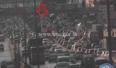 التحكم المروري: تصادم بين مركبتين على جسر الدورة باتجاه الكرنتينا والاضرار مادية