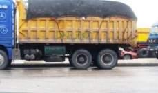 النشرة: شبان أوقفوا شاحنة محملة بالنفايات في صيدا اعتراضا على أداء معمل معالجة النفايات