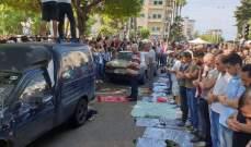 النشرة: المتظاهرون في صيدا اقاموا صلاة الجمعة في وسط الطريق