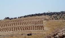 RT: العثور على مقبرة جماعية تضم رفات 13 عنصرا من الجيش السوري بريف درعا