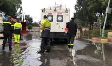 الدفاع المدني: السيول اجتاحت الطرق بقضاء صور واقتحمت العديد من الأمكنة