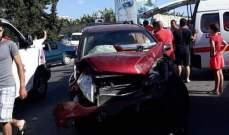 جريحان في حادث سير بين دراجة نارية وسيارة على طريق عام بلونة