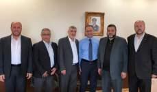 وفد من حماس بحث مع مدير مخابرات الجيش الاوضاع في المخيمات الفلسطينية
