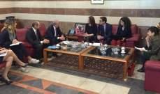 حمادة:نحن بمرحلة إنتقالية لمواجهة الحالة الطارئة التي شكلتها أزمة سوريا