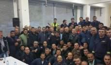 متطوعو الدفاع المدني اعتصموا في الجية احتجاجا على عدم تثبيتهم