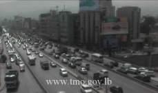 حركة المرور كثيفة من الكرنتينا باتجاه الدورة وصولا الى جل الديب بسبب الاشغال