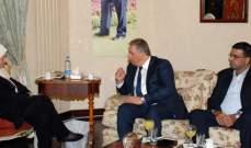 الحريري أجرت اتصالاً بالرئيس الفلسطيني مطمئنة الى صحته