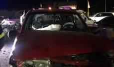 النشرة: 3 جرحى نتيجة حادث تصادم بين سيارتين على طريق رياق