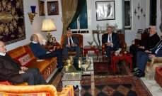 جنبلاط بحث مع الأحمد ودبور وأبو العردات بالأوضاع العامة وتطورات الملف الفلسطيني