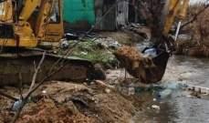 جرافات بلدية زحلة- معلقة- تعنايل سحبت النفايات والردميات من نهر الليطاني