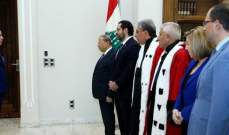 المفتش العام المالي يقسم اليمين القانونية أما الرئيس عون والحريري