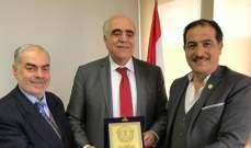 رئيس الأكاديمية الديبلوماسية الدولية زار القصيفي وقدم له درعا تقديريا