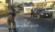 سقوط حمولة شاحنة على اوتوستراد الصفرا باتجاه جونية وحركة المرور كثيفة