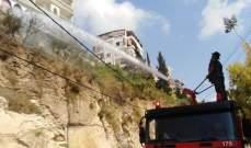 النشرة:اخماد حريق هشير بين المنازل بحي رويسات العين داخل بلدة الغازية