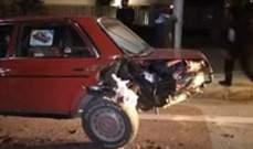الدفاع المدني: جريحة نتيجة حادث سير بين ثلاث سيارات في صور