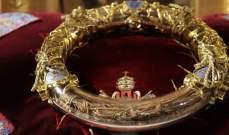 نقل إكليل الشوك للسيد المسيح ورداء الملك لويس التاسع من نوتردام الى متحف اللوفر