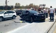 4 جرحى نتيجة تصادم بين 3 مركبات على اوتوستراد الاولي باتجاه جسر الرميلة