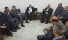 نهرا شكر العقيد درويش وضباط الاجهزة المواكبة لسير العملية الانتخابية الفرعية